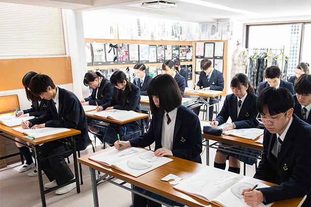 江東服飾高等専修学校 - 服飾学科・授業内容 - パターンメイキング