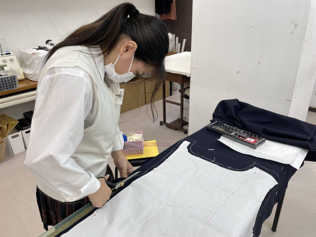 江東服飾高等専修学校 - 冬の制服Pコート制作スタート!